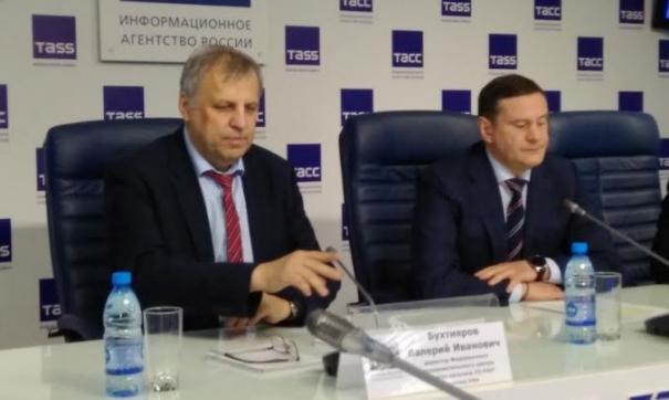 Валерий Бухтияров (слева) утверждает, что у СКИФ - преимущество над иностранными синхротронами