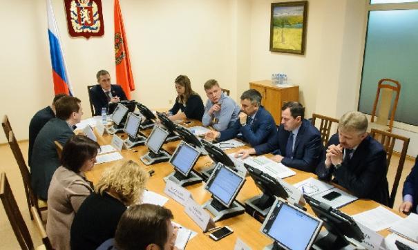 Первыми корректировки обсудили члены комитета по строительству и ЖКХ