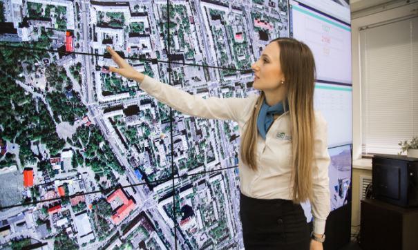 В Челябинске начали следить за всеми мусоровозами