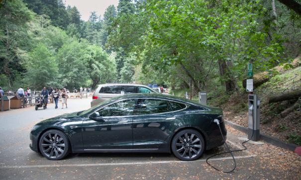 Tesla может сильно подвести хозяина во время дождя
