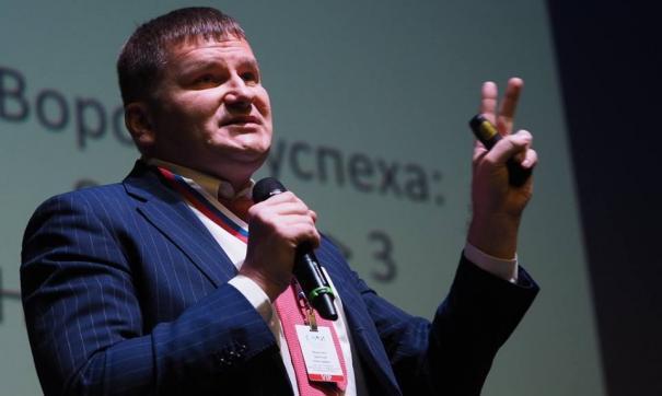 Дмитрий Федечкин переходит из правительства в бизнес-структуру. По крайней мере, на ближайшие три года...
