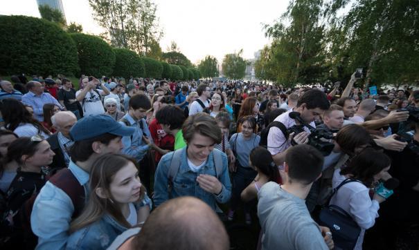 Жители, выступающие против стройки храма в сквере