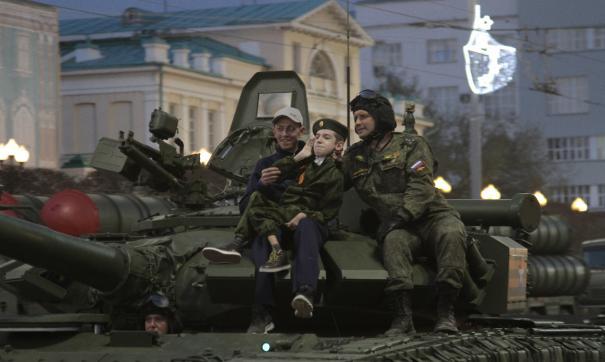 Мечту особенного ребенка исполнили военные ЦВО в Екатеринбурге