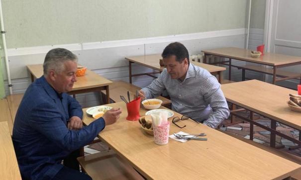 Оценка обедов в школьных столовых началась 23 апреля