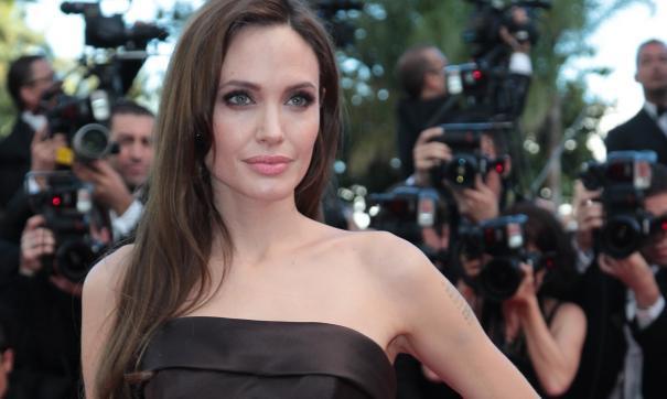 Анджолина Джоли