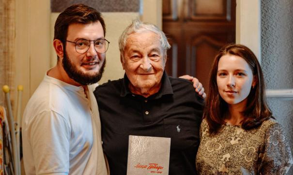 В книге описан подвиг фронтовика Бориса Литвака