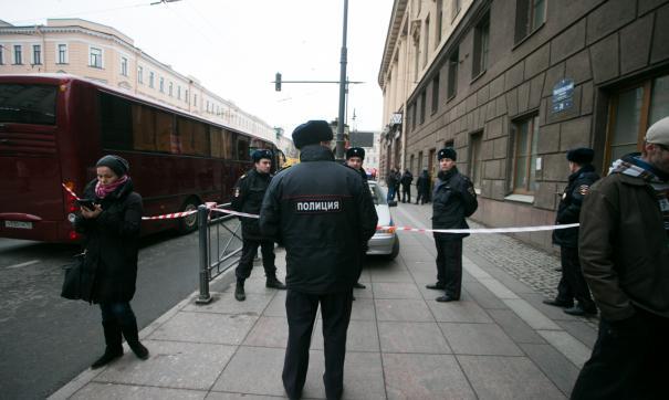 Вход и выход на станцию петербургского метро «Площадь Восстания» заблокирован