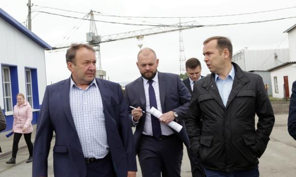 Вадим Шумков с рабочем визитом посетил школу, детский сад и завод