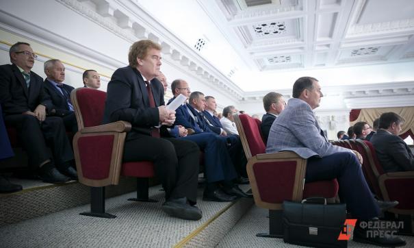 Владимир Елистратов отправлен на скамью запасных
