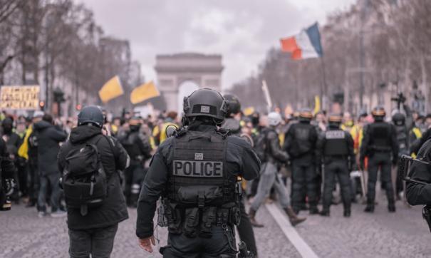 В Грузии отстранили десять полицейских, разгонявших митинги
