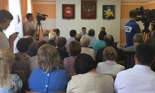 Алексею Текслеру рассказали о проблемах медицины и благоустройства Нязепетровска