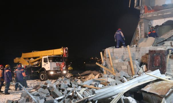 В первые дни работы было снесено семь деревянных домов.