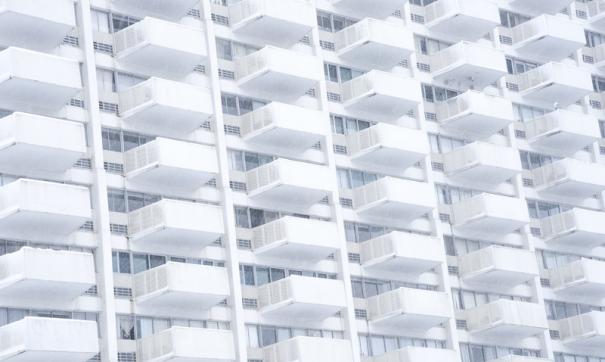 Пятнадцатилетняя тюменка упала с балкона
