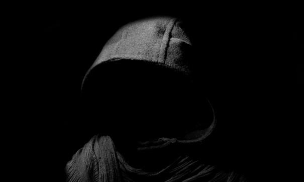 Сотрудники музея Есенина засняли призрак, разгуливающий по территории центра