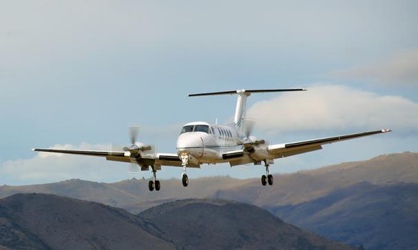 Четыре человека погибли при крушении самолета в Канаде