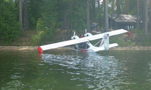Самолет сел на озеро Тургояк