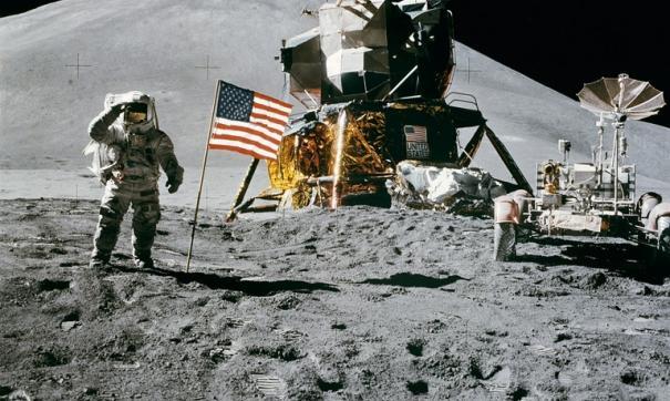 Высадка человека на Луну.