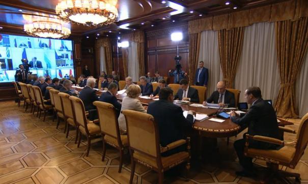 Решетников заявил, что для реализации нацпроектов необходимо выделить средства на три года вперед