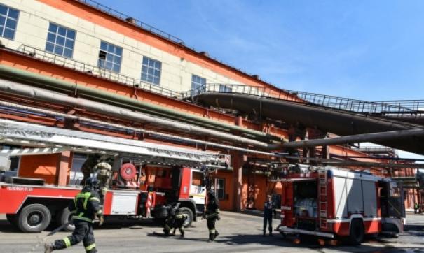 В Челябинске горел цех Цинкового завода