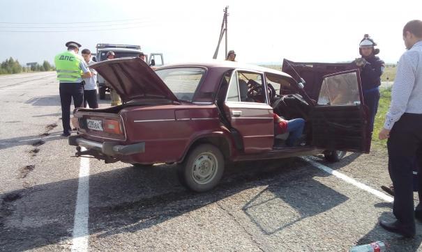 Столкнулись отечественный автомобиль и иномарка