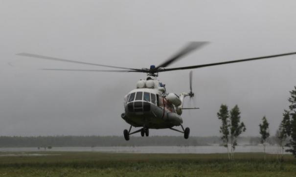 В вертолет запустили коктейлем Молотова