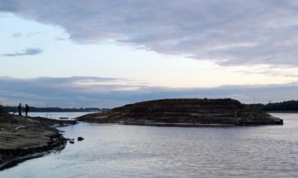 Тоболяки придумывают название острову, который год назад появился на Иртыше
