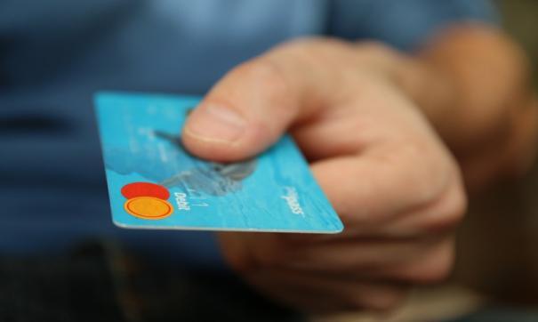 Одной из самых распространенных схем является звонок якобы от службы безопасности банка