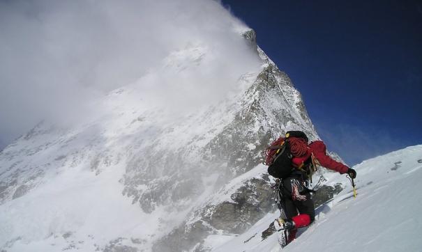 На Эльбрусе спасли альпиниста из Австралии