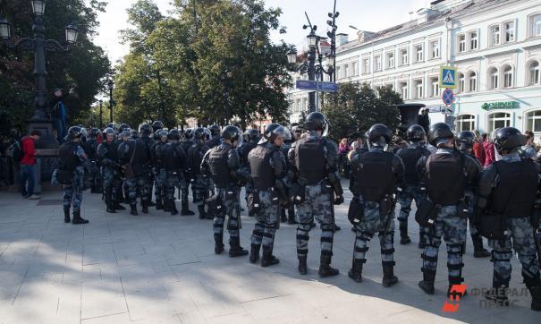 Россиянам пригрозили изъятием детей-подростков из семей, если те будут участвовать в митингах