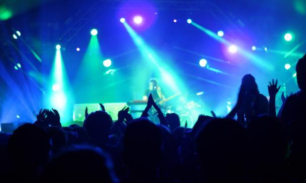 Выступления таких артистов, как Madonna и Rammstein в России.