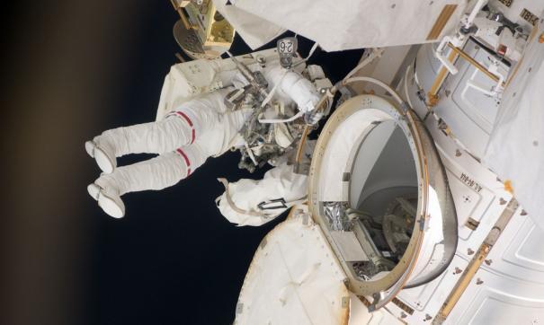 Роскосмос обнародовал зарплаты космонавтов