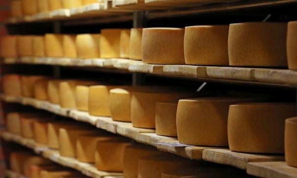 Стали известны самые вредные сорта сыра