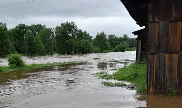 В Хабаровском крае паводок затопил несколько дворов и около тысячи дач