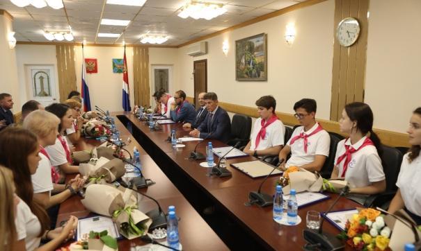 Губернатор Приморья поблагодарил вожатых из «Холдоми» за спасение детей