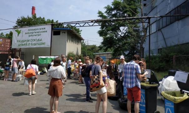 Раздельно сдать мусор заявилось почти 700 горожан.