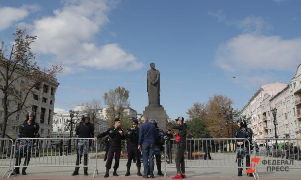Горчаков призвал организаторов протестных акций в Москве действовать в правовом поле