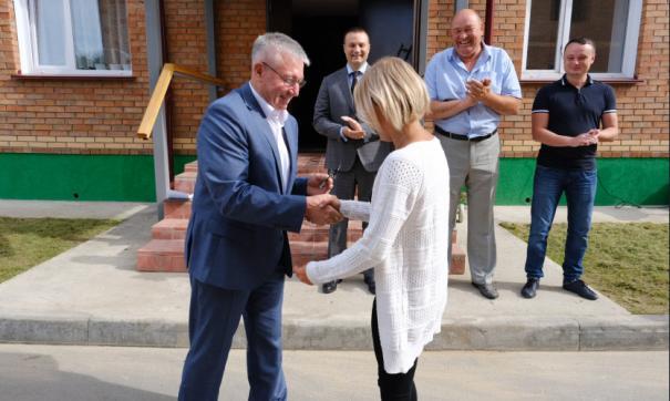 Жители Маслянинского района получили ключи от 18 новых квартир в рамках национального проекта «Жилье и городская среда»