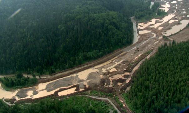 Жители Кузбасса неоднократно жаловались на загрязнение рек золотодобытчиками