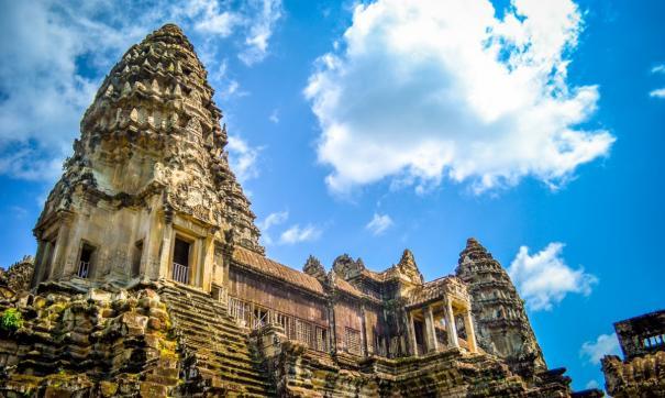 Жителю Братска обещали помочь в получении наследства от скончавшегося в Камбодже родственника