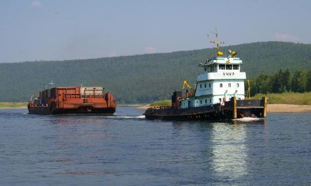 Из-за маловодья ограничена скорость движения по реке, в результате корабли опаздывают на загрузку