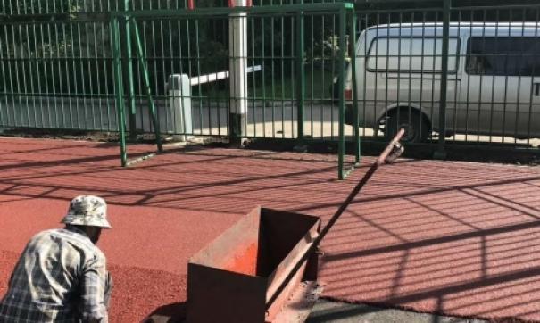 В Иркутске вместо нелегальных гаражей строят спортплощадку