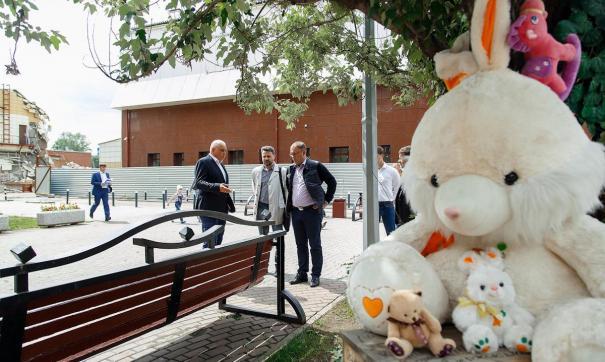 В Кемерове открыли сквер в память о жертвах пожара в «Зимней вишне»