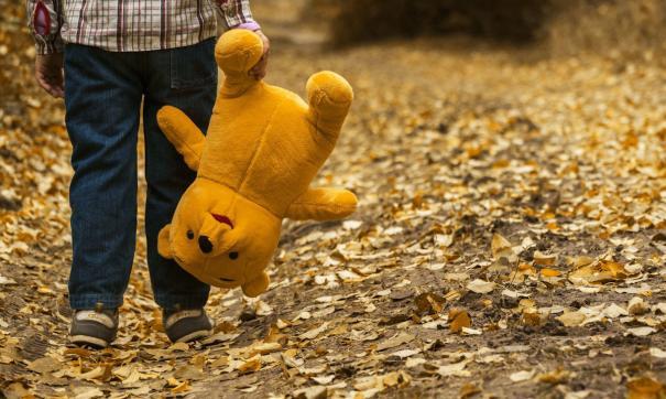Следком завел уголовные дела на родителей, которые два года издевались над ребенком