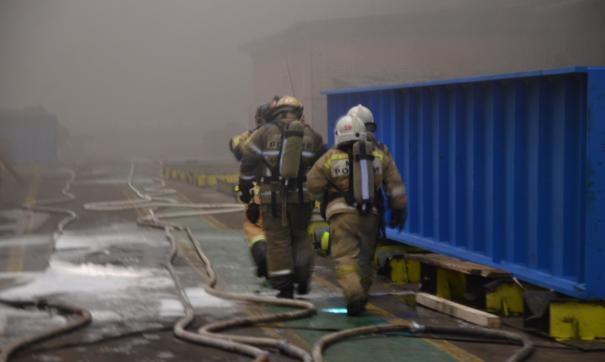 МЧС в Екатеринбурге выясняет причину пожара на заводе «ВИЗ-сталь»