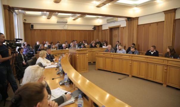 Депутаты Екатеринбурга предложили перенести опрос по храму на 13 октября