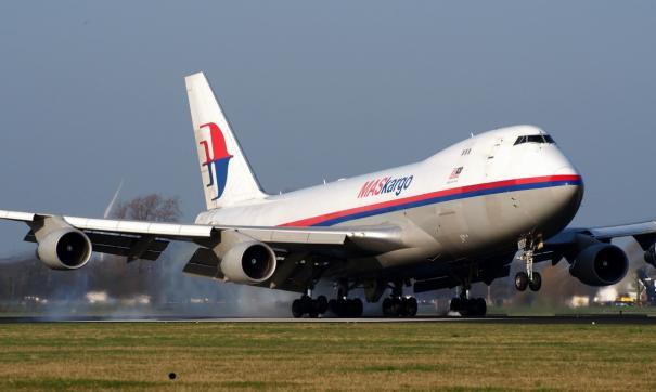 Японский самолет срочно сел в аэропорту Хабаровска