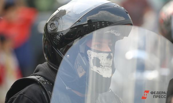 В Хабаровске столкнулись мотоцикл и автомобиль