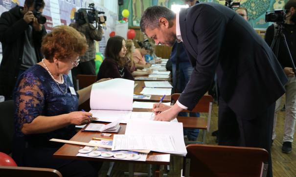 Глава Забайкальского края Александр Осипов уже проголосовал