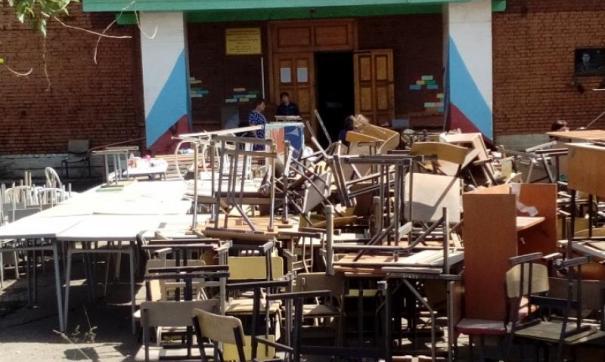 В школах и детских садах, ремонт  планируется завершить к октябрю