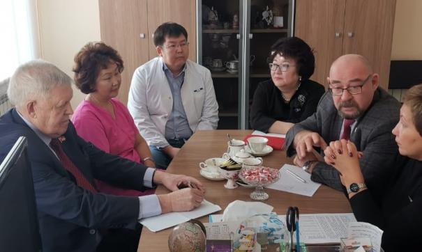 Якутские парламентарии встретились с врачами регионального онкодиспансера